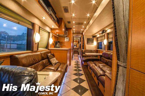 Entertainer Bus